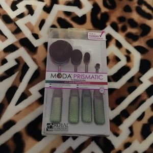 New Moda Prismatic Makeup Brushes